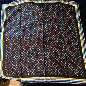 Louis Vuitton Authentic multicolored scarf